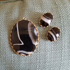 VINTAGE Striking Agate Pendant & Earrings